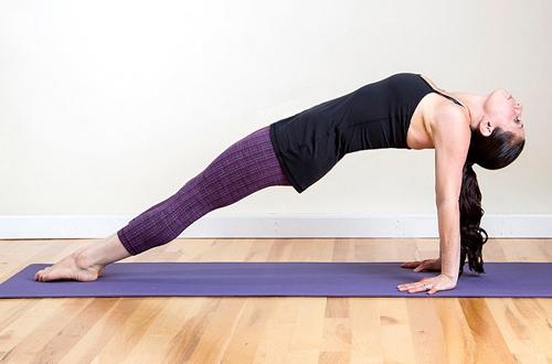 6 bài tập giúp chị em sau khi sinh giảm cân hiệu quả3