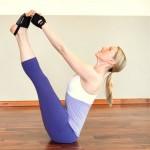 Tư vấn 2 bài tập yoga dễ thực hiện giúp đánh tan mỡ bụng hữu hiệu