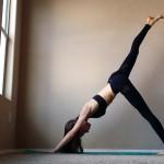Bật mí 3 tư thế yoga cơ bản thực hiện đơn giản nhưng hiệu quả giảm cân rất cao