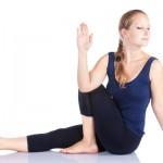 Những tư thế yoga đơn giản dành cho những cô gái lười