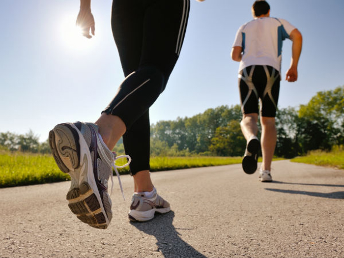 Hướng dẫn cách đi bộ giúp bạn giảm cân và đốt cháy calo một cách hiệu quả