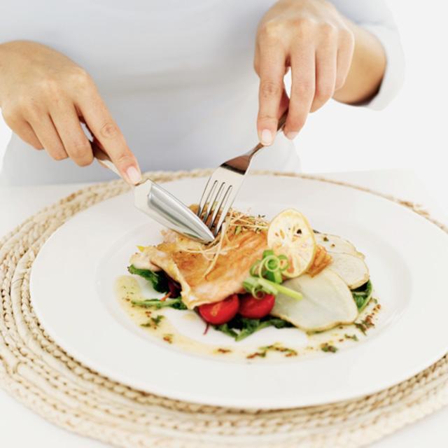 Ăn trưa không đúng cách phá hỏng quá trình giảm cân của bạn4