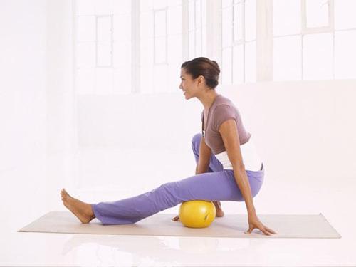 Tư vấn 6 động tác giúp người tập giảm mỡ lưng hiệu quả6