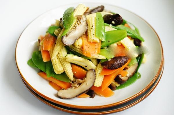 Ăn chay, lowcarb và Detox 3 chế độ ăn giảm cân khoa học nhất hiện nay3